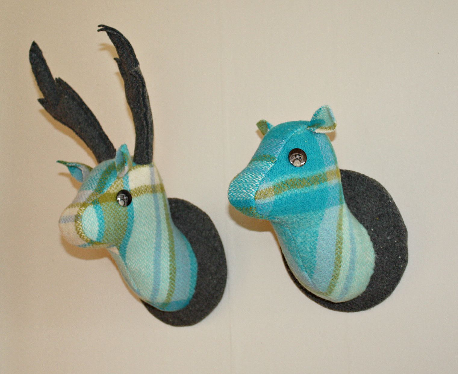 Deer Head Wallhanging, Simon's Blue - close up